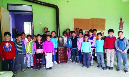 Bayındır'dan Kızılcaova Köy Okuluna Yardım
