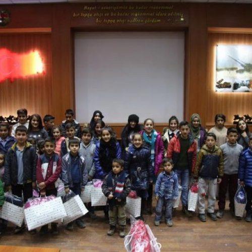 TYSD Başiskele Şubemizden Yüksekova'daki İlköğretim Okulu Öğrencilerine Giyecek Yardımı