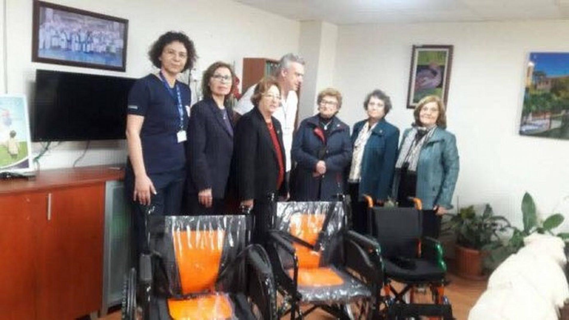 TYSD Bornava Şubesinden Engelli Sandalyesi Bağışı…