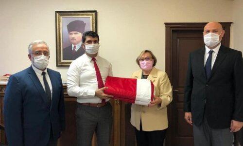 TYSD Perşembe Şubemizin Atatürk ve Türk Bayrağı Armağanı
